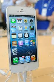 Close Up White IPhone 5 Display In Hong Kong Apple Store Stock