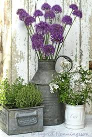 Pretty Front Door Flower Pots Add Personality Your Home Doors With ... Painted Flower Pots For The Home Pinterest Paint Flowers Beautiful House With Nice Outdoor Decor Of Haing Creative Flower Patio Ideas Tall Planter Pots Diy Pot Arrangement 65 Fascating On Flowers A Contemporary Plant Modern 29 Pretty Front Door That Will Add Personality To Your Garden Design Interior Kitchen And Planters Pictures Decorative Theamphlettscom Brokohan Page Landscape Plans Yard Office Sleek