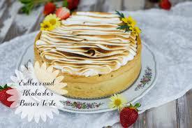 erdbeer und rhabarber baiser torte marion s kaffeeklatsch