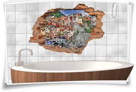fliesenbilder badezimmer deko italienisch fliesentattoo italien fliesenaufkleber wand durchbruch 3d ligurien dorf