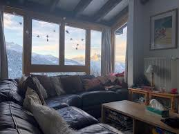 aktualisiert 2021 swiss chalet style duplex apartment