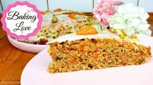 der weltbeste karottenkuchen i möhrenkuchen total saftig mit walnüssen und zitronenglasur