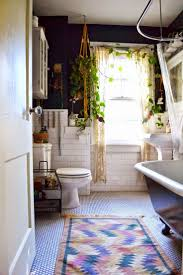 Bathroom Decor Ideas Pinterest by Best 25 Bohemian Bathroom Ideas On Pinterest Bohemian Curtains