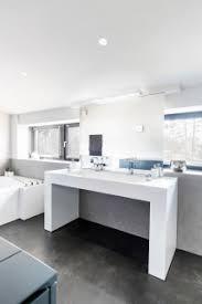 75 große badezimmer mit badewanne in nische ideen bilder