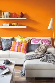 mango schöner wohnen trendfarbe wandfarbe regal