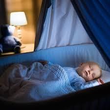 statt familienbett studie belegt babys schlafen im eigenen