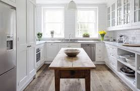 View In Gallery White U Shaped Kitchen