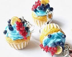 Johannisbeeren Blaubeere Cupcakes Mit Blaubeer Buttercreme Frosting Miniature Food Charmsfood Jewelry Summer Berries Realistic