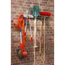 fabriquer un porte outils de jardin maison design bahbe