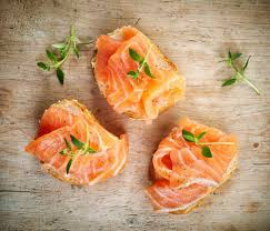 canapés saumon fumé recette canapés de saumon fumé