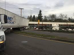 100 Train Vs Truck PDX FlashAlert NEWS Deputies Investigating Vs Semi