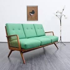 canapé couleur mettez un canapé vert et personnalisez l intérieur archzine fr