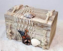 holz truhe 14 x 9 x 10 cm serie treibholz maritim dekoriert mit muscheln fischernetz möwe
