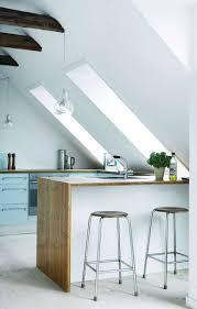 11 einrichtungstipps für küchen im dachgeschoss mit ausblick