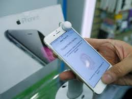 Apple iPhone can be hacked with a text message Business Insider