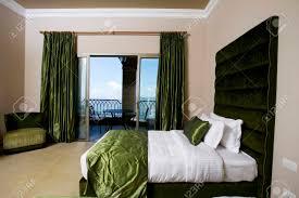 luxuriöse hotelzimmer mit balkon 5 sterne luxus hotel schlafzimmer