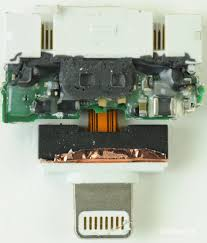 Inside the Apple Lightning to 30 Pin Adapter