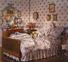 Laura Ashley 80s Bedroom Floral Bedspread Wallpaper