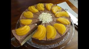 saftige pfirsich schoko schnitten auf leckerem boden leckere torte einfach gemacht cake