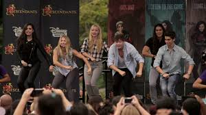 Halloween Wars Season 1 Cast by Lightning Round With The Cast Of Descendants Oh My Disney