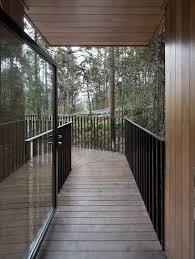 100 Tree House Studio Wood IanDstudiocompletestreehouseM03