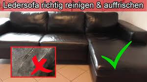ledersofa richtig reinigen auffrischen leder pflegen sofa sauber machen hausmittel kernseife