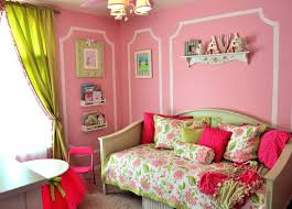Coral Color Interior Design by Colors That Go With Mint Summer Coral And Mint Mint Green Wall