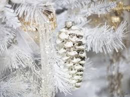 Where To Buy Christmas Tree Tinsel Icicles by 11 Youtube To Watch For Christmas Decor Ideas Hgtv U0027s