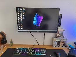 kabel verstecken unter dem monitor computer technik
