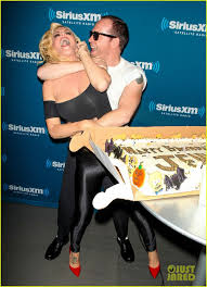 Sirius Xm Halloween Station Number by 95 Best Donnie U0026jenny Images On Pinterest Donnie Wahlberg