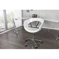 le de bureau blanche une chaise de bureau blanche avec roulettes et avec mécanisme de