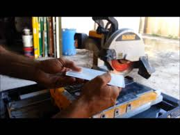 how to cut glass tiles with a dewalt wet saw youtube