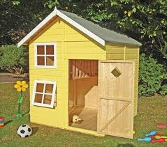 Pallet Playhouse Ideas For Kids