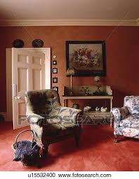 roter teppich in traditionelle terracotta wohnzimmer