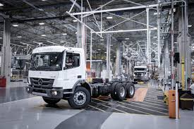Industry 4.0: Daimler Trucks Revolutionises Truck Production In ...