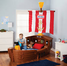 amazon com little tikes pirate ship toddler bed toys games