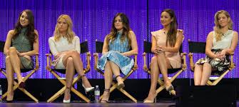 Pll Halloween Special 2014 Online by Cast Of U0027pretty Little Liars U0027 Says Goodbye As Series Wraps Production