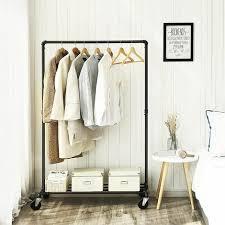 kleiderständer auf rollen bis 90 kg belastbar im industriedesign metall garderobenständer mit 1 kleiderstange und ablage schwerlast für