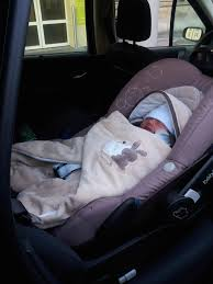 siege auto nouveau né acheter un nid d ange pour siège auto