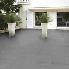 carrelage extérieur terrasse aménagement extérieur par chausson