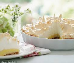Christmas Tree Meringues James Martin by Best 25 Mary Berry Meringue Ideas On Pinterest Mary Berry Lemon