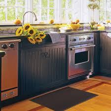 Interactive Parquet Flooring Tile Kitchen Using Black Thread Rubber Mats Decoration Along