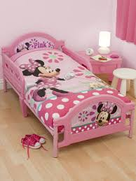 Minnie Mouse Bedroom Set Full Size by Minnie Mouse Toddler Bedding Set Minnie Mouse Pretty Junior With