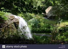 100 Water Fall House View Of Fall In Background Stock Photo 93704747
