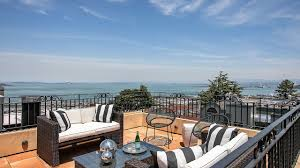 100 Pent House In London The Listings Of The Week A Home On The Coast In Sweden A
