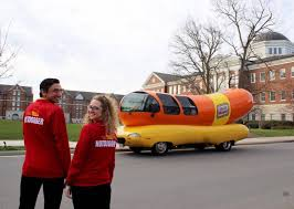 Oscar Mayer Wienermobile: See Inside 'Big Bun' Hot Dog Car | The ...