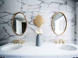 5 einrichtungsfehler die für ein tristes badezimmer sorgen