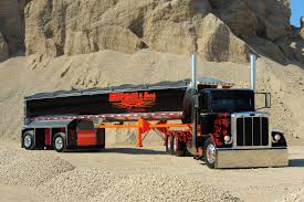 100 Show Semi Trucks Peterbilt Truck Custom Semi Show HD Wallpaper