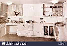 foto einer typischen fünfziger jahre amerikanische küche
