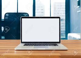 fond d 馗ran bureau ordinateur portable sur la table le bureau fond écran blanc banque